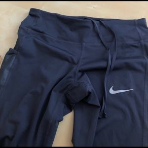 Navy cropped Nike leggings size small
